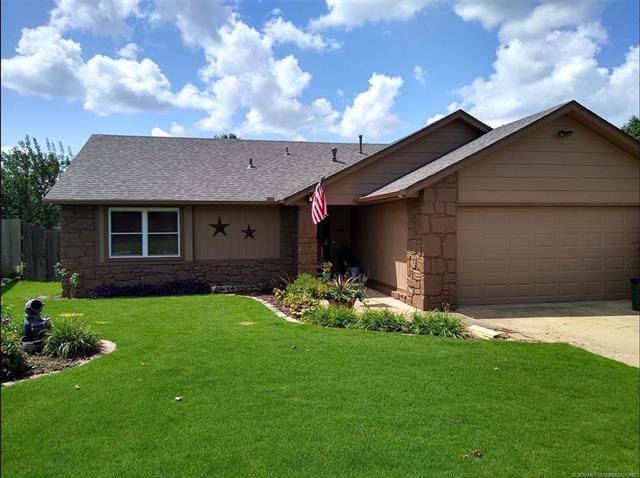 3114 S Maple Place, Broken Arrow, OK 74012 (MLS #1933772) :: Hopper Group at RE/MAX Results