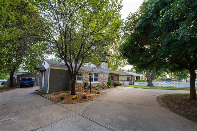 2936 E 21st Street, Tulsa, OK 74114 (MLS #1934493) :: Hopper Group at RE/MAX Results