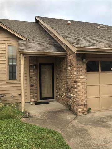8148 E 17th Street Q, Tulsa, OK 74112 (MLS #1934514) :: 918HomeTeam - KW Realty Preferred