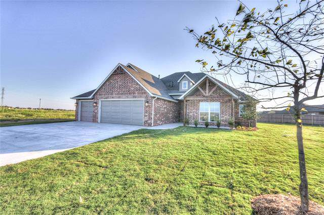 14320 N 57th East Avenue, Collinsville, OK 74021 (MLS #1935400) :: Hopper Group at RE/MAX Results