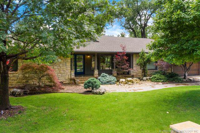 2250 E 33rd Street, Tulsa, OK 74105 (MLS #1935424) :: 918HomeTeam - KW Realty Preferred