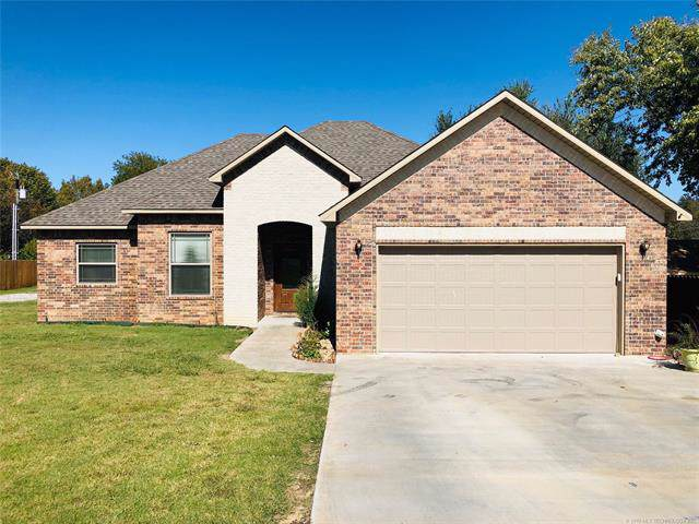 625 E Tyler Avenue, Mcalester, OK 74501 (MLS #1937762) :: Hopper Group at RE/MAX Results