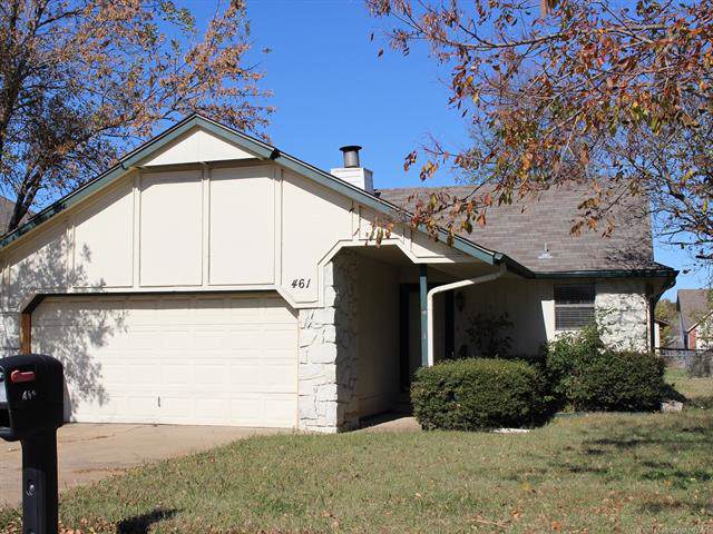 461 E 142nd Place, Glenpool, OK 74033 (MLS #1939614) :: 918HomeTeam - KW Realty Preferred