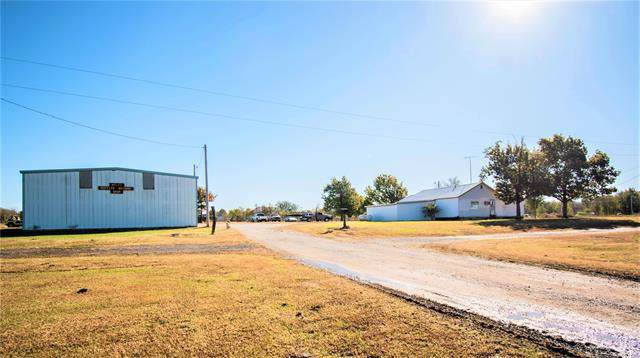 9742 S State Hwy 2 Highway S, Welch, OK 74369 (MLS #1940149) :: Hopper Group at RE/MAX Results