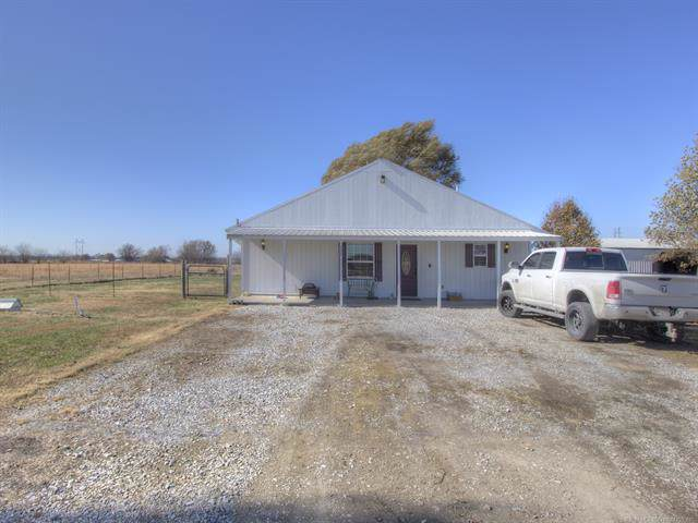 727 E 460 Road, Pryor, OK 74361 (MLS #1940482) :: Hopper Group at RE/MAX Results