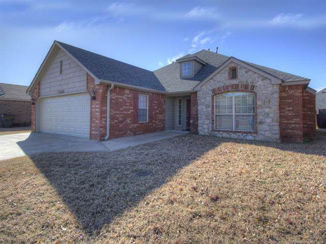 12168 N 107th East Court, Collinsville, OK 74021 (MLS #1940906) :: Hopper Group at RE/MAX Results