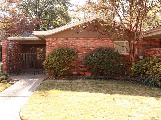 2134 E 59th Street A1, Tulsa, OK 74105 (MLS #1941266) :: 918HomeTeam - KW Realty Preferred