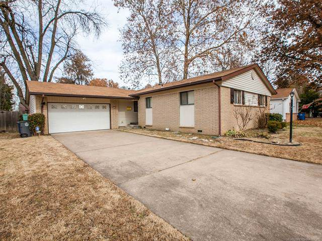 1583 E 59th Place, Tulsa, OK 74105 (MLS #1942079) :: 918HomeTeam - KW Realty Preferred