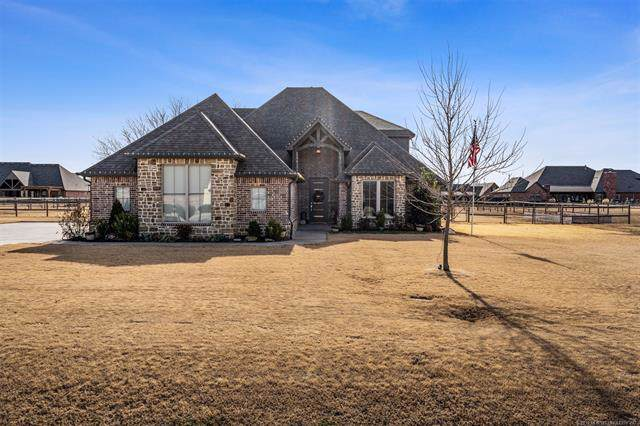 5160 E Hickory Bluff Drive, Claremore, OK 74019 (MLS #1942424) :: Hopper Group at RE/MAX Results