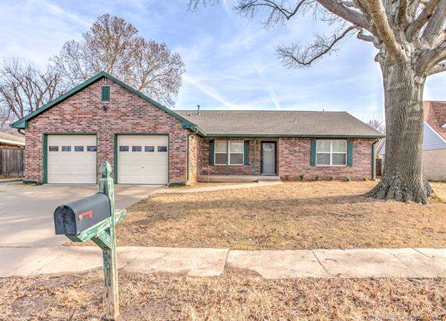 10127 E 26th Place, Tulsa, OK 74129 (MLS #1942563) :: Hopper Group at RE/MAX Results