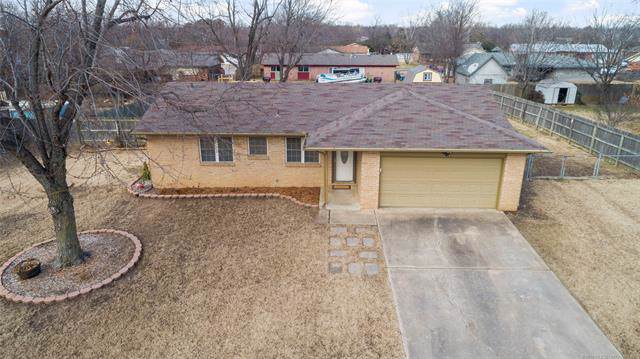11628 N 104th East Avenue, Collinsville, OK 74021 (MLS #1942596) :: Hopper Group at RE/MAX Results