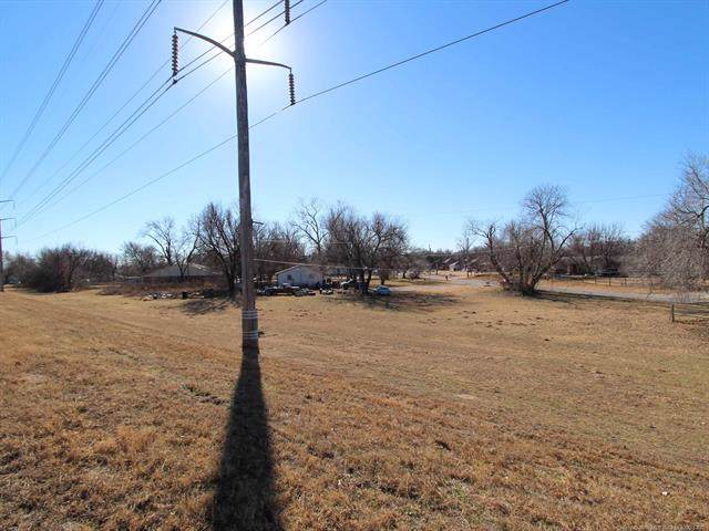 1317 N 2nd Street, Jenks, OK 74037 (MLS #1943009) :: Hopper Group at RE/MAX Results