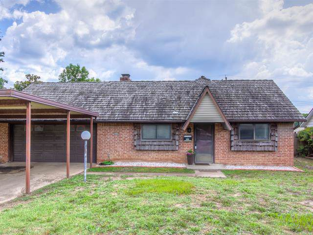 5509 Harvard Drive, Bartlesville, OK 74006 (MLS #1943417) :: RE/MAX T-town