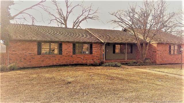 211 Walnut Circle, Grove, OK 74344 (MLS #2001002) :: Hopper Group at RE/MAX Results