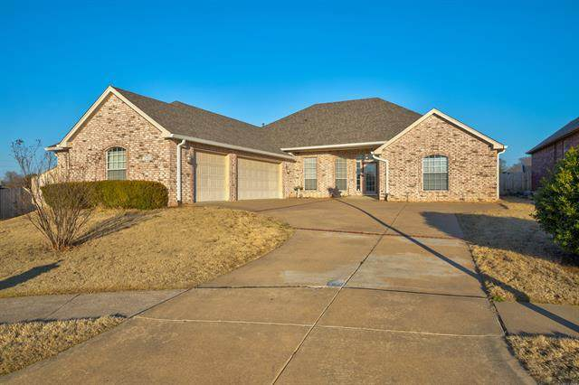 12403 S 101st East Avenue, Bixby, OK 74008 (MLS #2005426) :: Hopper Group at RE/MAX Results