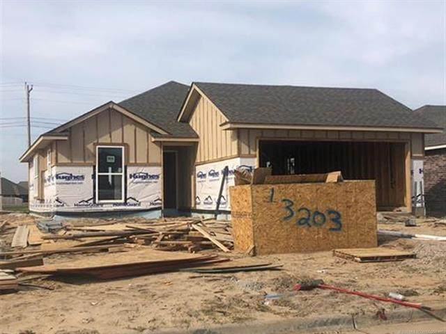 13203 E 135th Court N, Collinsville, OK 74021 (MLS #2011843) :: Active Real Estate