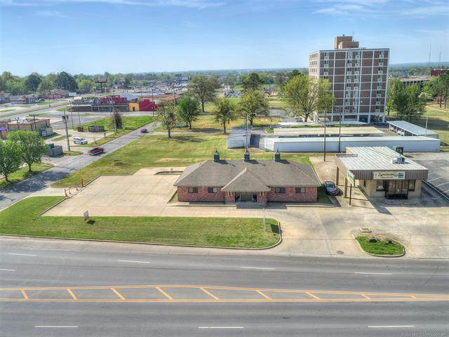 3303 W Okmulgee Avenue, Muskogee, OK 74401 (MLS #2012002) :: 918HomeTeam - KW Realty Preferred