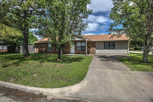 375 S Avenue Street E, Collinsville, OK 74021 (MLS #2017645) :: Hopper Group at RE/MAX Results