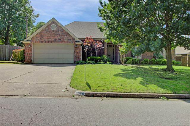 5924 S Marion Place, Tulsa, OK 74135 (MLS #2018272) :: Active Real Estate