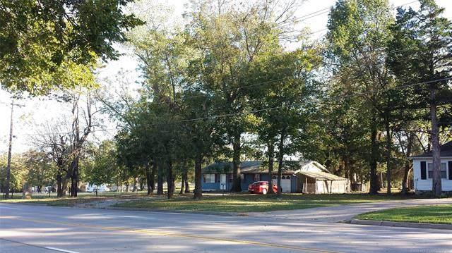 703 E Will Rogers Boulevard, Claremore, OK 74017 (MLS #2018997) :: 918HomeTeam - KW Realty Preferred