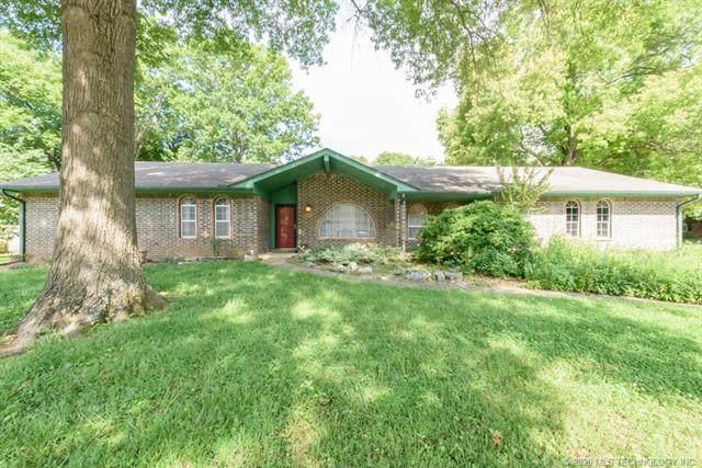 2355 London Lane, Bartlesville, OK 74006 (MLS #2019490) :: Active Real Estate
