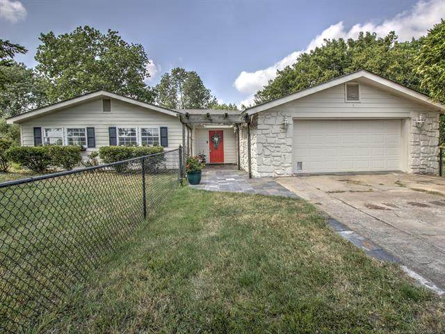 10521 E 136th Street North, Collinsville, OK 74021 (MLS #2021873) :: Hopper Group at RE/MAX Results