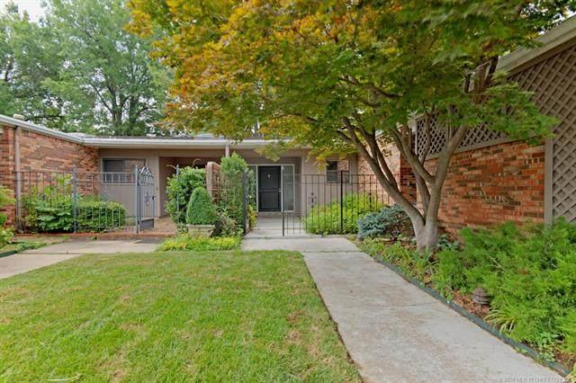2126 E 60th Street I5, Tulsa, OK 74105 (MLS #2023164) :: Hometown Home & Ranch