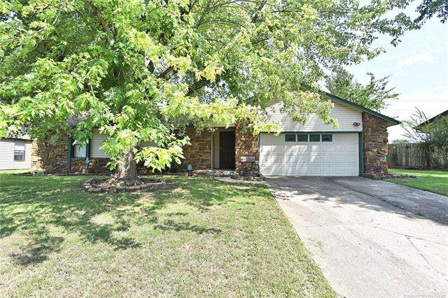 1100 W Queens Place, Broken Arrow, OK 74012 (MLS #2023953) :: Hopper Group at RE/MAX Results