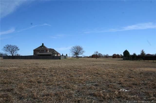 2114 Turtle Creek Street, Bartlesville, OK 74006 (MLS #2025985) :: Active Real Estate
