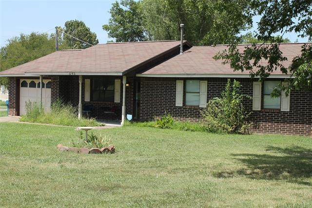 595 Blake, Krebs, OK 74554 (MLS #2027412) :: Hometown Home & Ranch