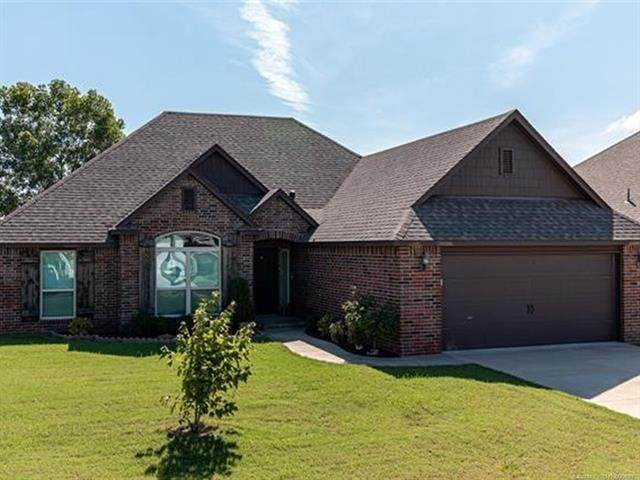 26467 Echelon Drive, Claremore, OK 74019 (MLS #2028082) :: Active Real Estate