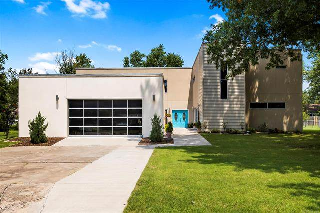 505 SE 15th Street, Pryor, OK 74361 (MLS #2028258) :: Hopper Group at RE/MAX Results