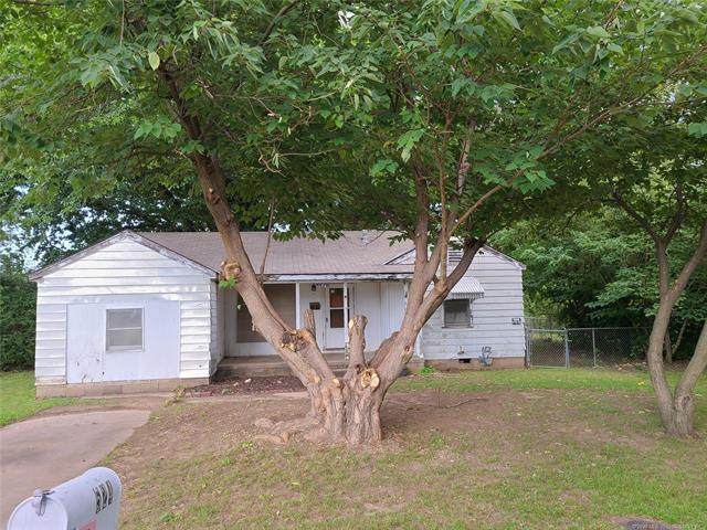 524 NW Turner Place, Bartlesville, OK 74003 (MLS #2028333) :: Hopper Group at RE/MAX Results