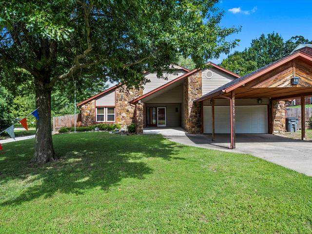 1431 Oak Road, Catoosa, OK 74015 (MLS #2028510) :: 918HomeTeam - KW Realty Preferred