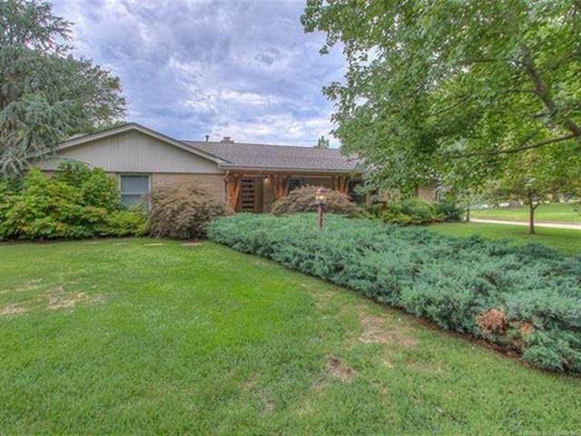 2708 S Delaware Place, Tulsa, OK 74114 (MLS #2028718) :: Hopper Group at RE/MAX Results