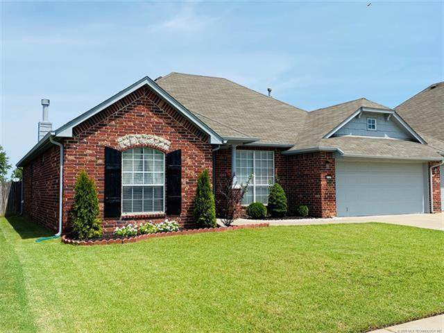 21171 E 39th Place S, Broken Arrow, OK 74014 (MLS #2029621) :: Active Real Estate