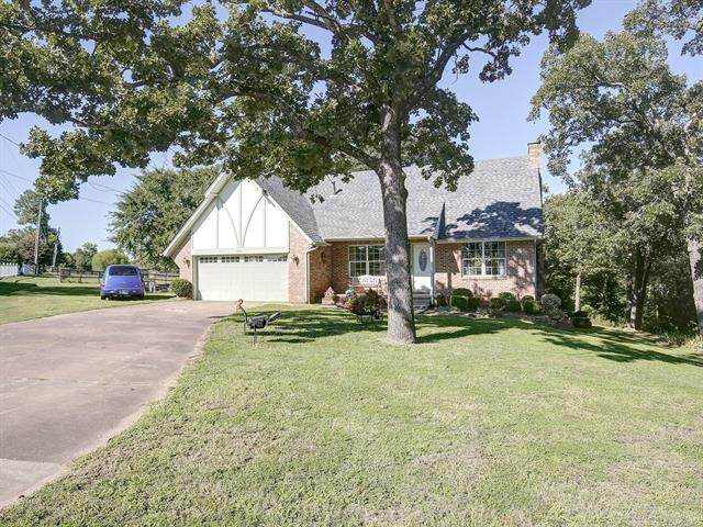 1305 S Apple Place, Sapulpa, OK 74066 (MLS #2029690) :: Hometown Home & Ranch