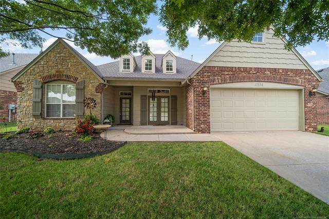 11724 S Willow Street, Jenks, OK 74037 (MLS #2031009) :: RE/MAX T-town