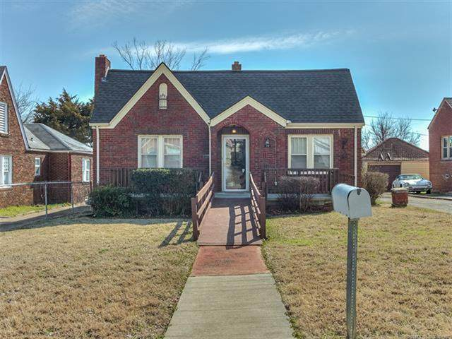 18 E Woodrow Place, Tulsa, OK 74106 (MLS #2031054) :: Hometown Home & Ranch
