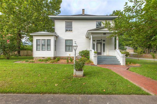 403 E 4th Street, Claremore, OK 74017 (MLS #2031459) :: Hopper Group at RE/MAX Results