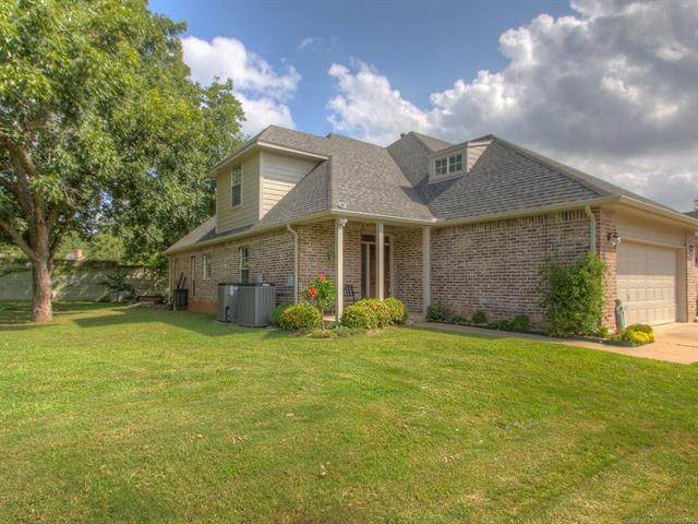 3403 E 71st Place, Tulsa, OK 74136 (MLS #2031679) :: Hopper Group at RE/MAX Results
