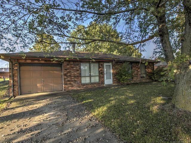 1216 W Sequoyah Avenue, Nowata, OK 74048 (MLS #2033038) :: 918HomeTeam - KW Realty Preferred