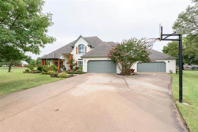 10246 N 147th East Avenue, Owasso, OK 74055 (MLS #2033844) :: Active Real Estate