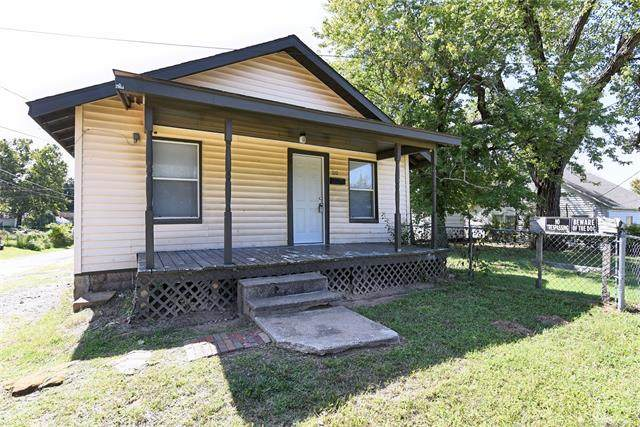 210 W 5th Street, Sand Springs, OK 74063 (MLS #2034164) :: Hopper Group at RE/MAX Results