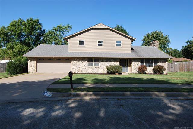 1913 Windstone Drive, Bartlesville, OK 74006 (MLS #2035502) :: Hometown Home & Ranch