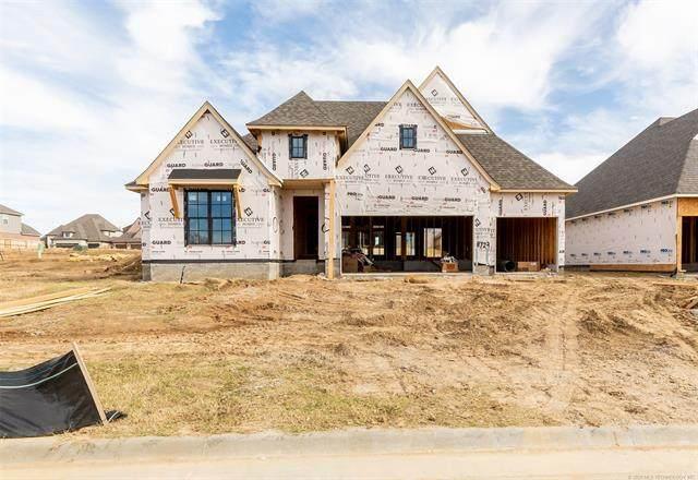 8723 S Quanah Avenue W, Tulsa, OK 74132 (MLS #2035903) :: Hometown Home & Ranch