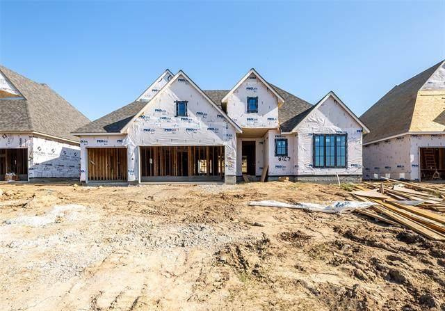 8727 S Quanah Avenue W, Tulsa, OK 74132 (MLS #2035908) :: Hometown Home & Ranch