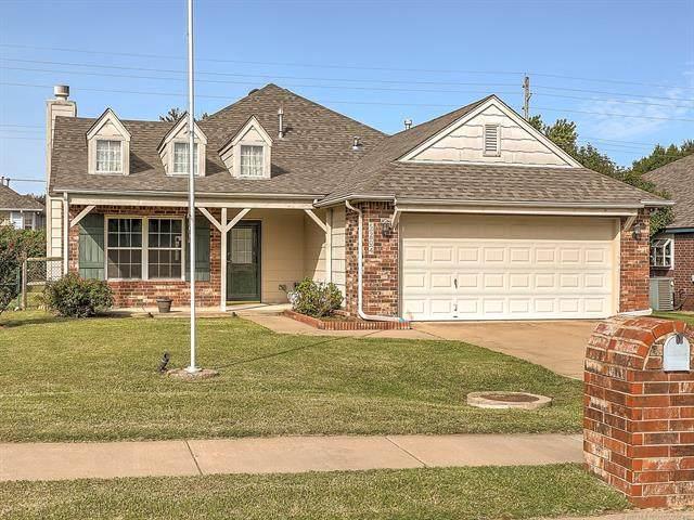 5204 Redbud Place, Sand Springs, OK 74063 (MLS #2036111) :: 918HomeTeam - KW Realty Preferred