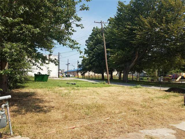 113 E Cypress Street, Coweta, OK 74429 (MLS #2036197) :: Active Real Estate