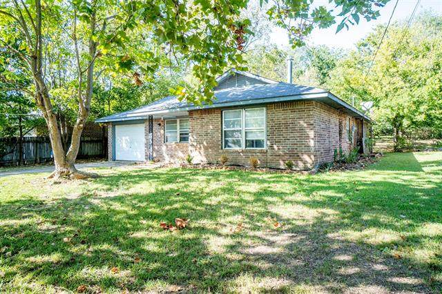 303 E Frontier Street, Salina, OK 74365 (MLS #2036266) :: Hometown Home & Ranch